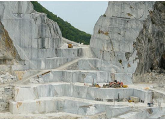 Attività di cava: massimo rigore da parte del Comune nei controlli sui quantitativi dei materiali lapidei estratti