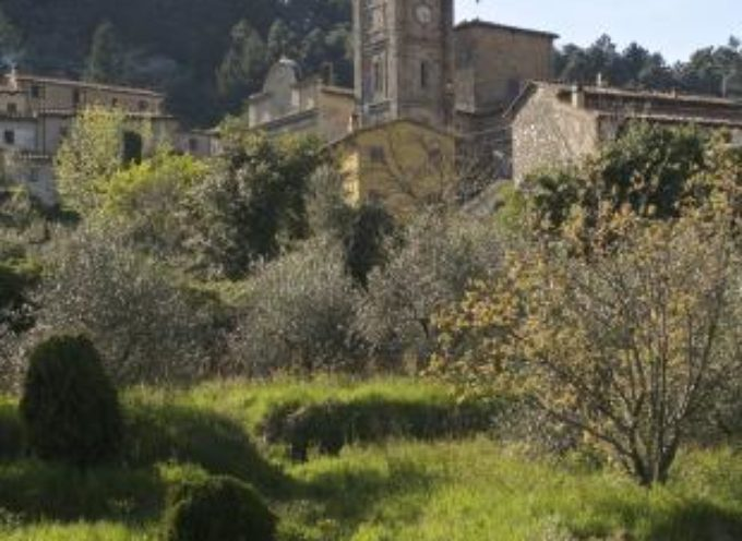 """Recuperato a S. Andrea di Compito il sentiero medievale """"Valle Cava""""."""