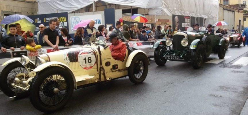 Lucca scalda i motori per accogliere la mille miglia: