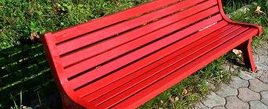sara' inaugurata la Panchina Rossa contro la violenza sulle donne a Gombereto