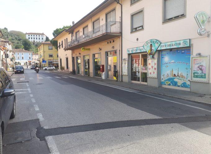 Senso unico in via Pacconi e dissuasori di parcheggio in via del Centenario