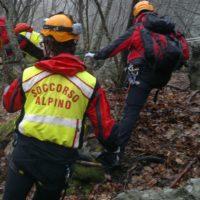 PESCAGLIA – Ritrovavo morto  l'escursionista  questa mattina dal figlio che si era unito al personale  dei vigili del fuoco. e del soccorso alpino