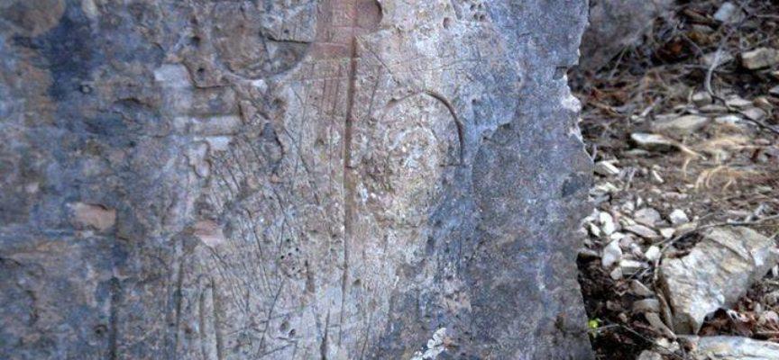Limano e le incisioni rupestri: La parete dei mille colori
