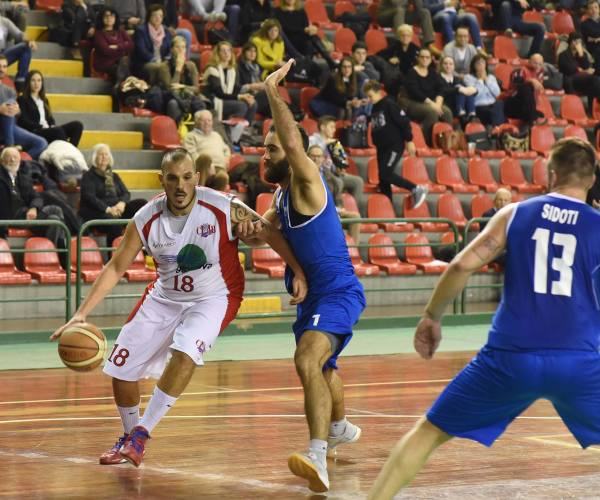 Play-off: match ball per la Geonova a Montale