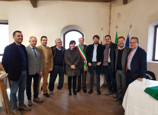 Dario Franceschini in visita alla fortezza delle Verrucole ha apprezzato il piano degli interventi sul Ducato Estense