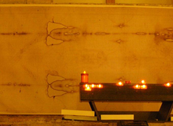 alla fondazione lazzareschi si parla della sacra sindone