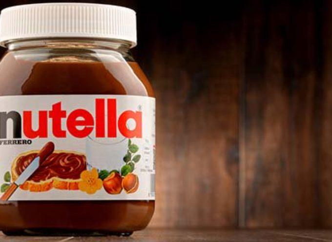 Più zucchero e meno nocciole, la Nutella cambia la ricetta e fa infuriare i consumatori