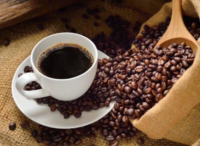 Elogio del caffè: una tazzina per cuore e cervello.