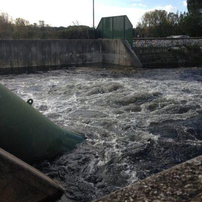 Lago alto, mareggiate e tempo instabile: il Consorzio interviene e accende l'impianto idrovoro della Bufalina.