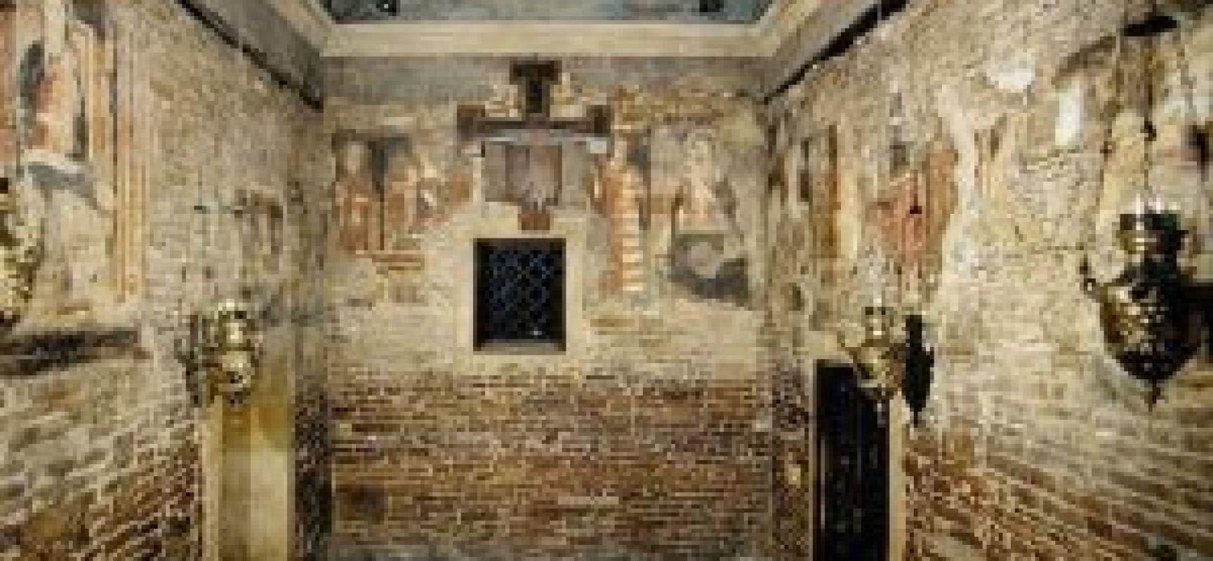 Il santo del giorno 10 dicembre madonna di loreto for Disegni della casa della cabina di ceppo