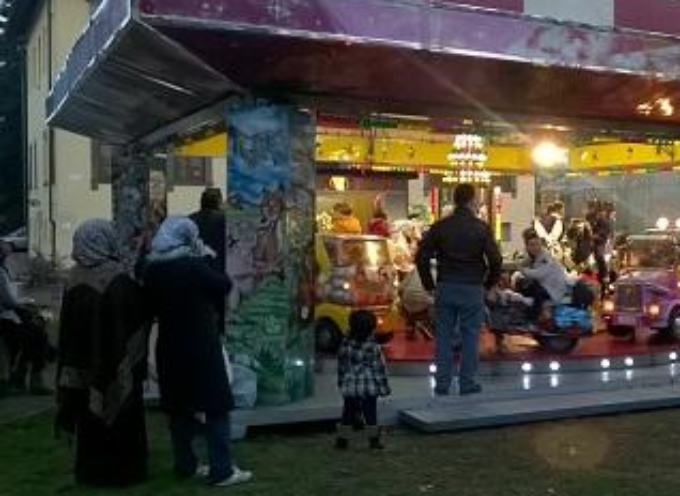"""porcari – In piazza Felice Orsi torna la """"Giostrina di Natale"""","""