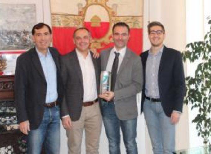 Alessio Ciacci in Comune dopo aver vinto il premio 'Innovation in Politics