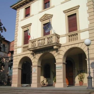 """Insieme per Altopascio """"It Risorse ha 25 dipendenti in tutta Italia e  promette 30 posti di lavoro a Altopascio…. Il sindaco ne sia garante e spieghi"""""""