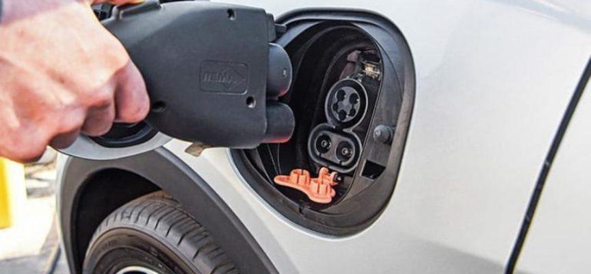 Auto elettriche: sono già più economiche di diesel e benzina