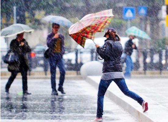 Domani (8 dicembre) Codice giallo per pioggia e vento