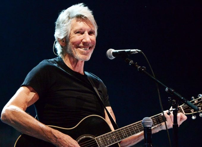 "Roger Waters porterà a Lucca lo spettacolare show ""Us + Them tour""."