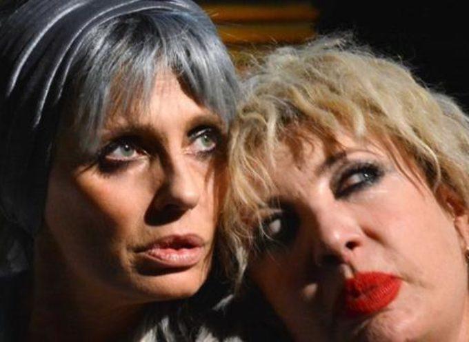 Isabella Ferrari e Iaia Forte in scena al Teatro dei Differenti