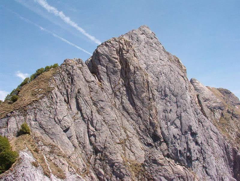 Escursionista muore sulla Pania, caduto nel canalone di 200 metri