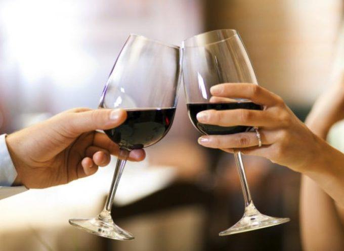 Bere vino prima di dormire aiuta a perdere peso.