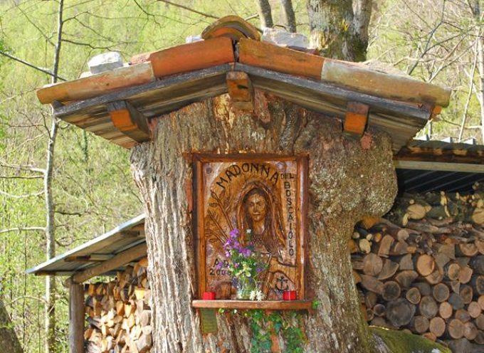 i simboli religiosi nei castagneti della garfagnana