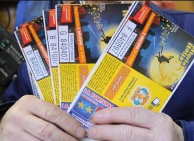 la lotteria italia bacia la ns. provincia, venduto  ad altopascio un biglietto