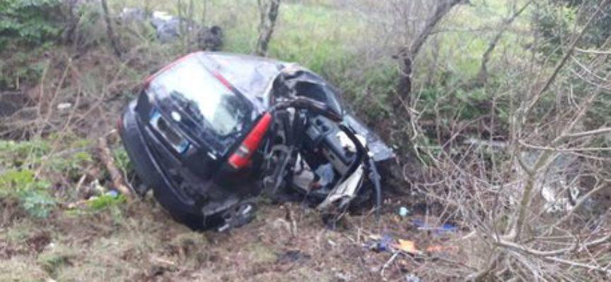 morta una donna nello scontro tra auto a pisa
