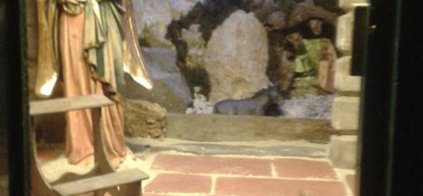 Rubata la Madonna nella marginetta a Pescaglia, faceva parte del percorso dei presepi nelle Marginette, era praticamente l'inizio del percorso; l'Annunciazione
