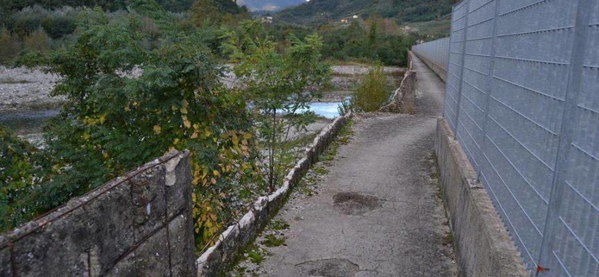 Entro febbraio tornerà percorribile la passerella pedonale che collega il Piaggione a Valdottavo