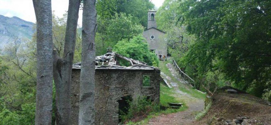 Il borgo disabitato di Col di Favilla, in garfagnana