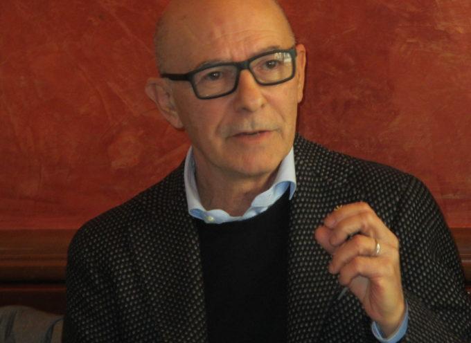 """Riccardo Zucconi commenta i dati di Legambiente che vedono la Piana di Lucca il territorio più inquinato della Toscana per le polveri sottili . """"Menesini, basta fumo negli occhi, ci pensa già lo smog"""" !"""