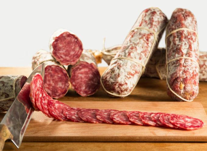 Salame italiano al tartufo fresco contaminato da salmonella: lotto ritirato dal mercato Ue