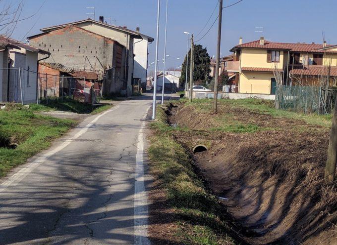 Ultimata la ripulitura del canale e la sistemazione  dei nuovi punti luce in via Bertolletti