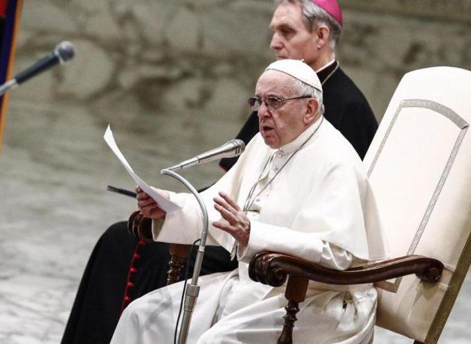 Papa Francesco: 'la Messa per i cari defunti? NON SI PAGA'!