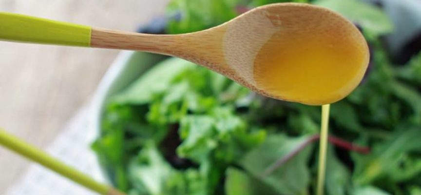 La vinaigrette è il condimento più conosciuto per le insalate.