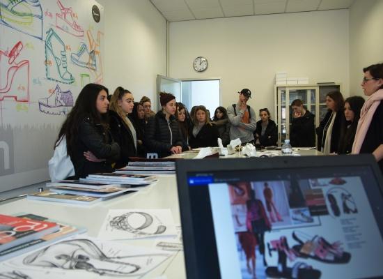 """Creatività e professione. Un dialogo tra scuola e impresa"""""""