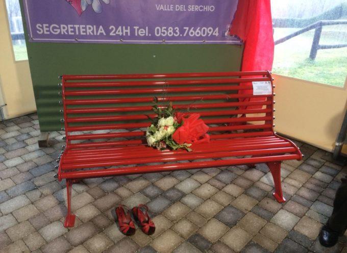 Posizionata a cascio di Molazzana la 33' panchina rossa nella Valle del Serchio