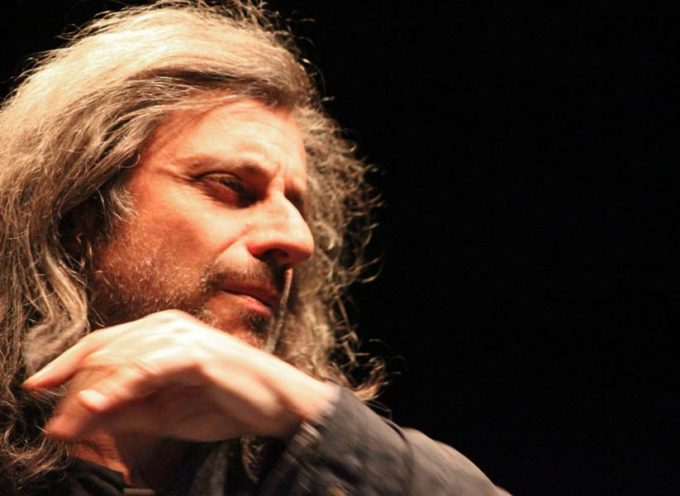 Alessandro Bergonzoni in scena al Differenti di Barga