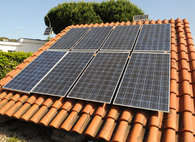 La vernice raffreddante che  migliora l'efficienza dei pannelli fotovoltaici