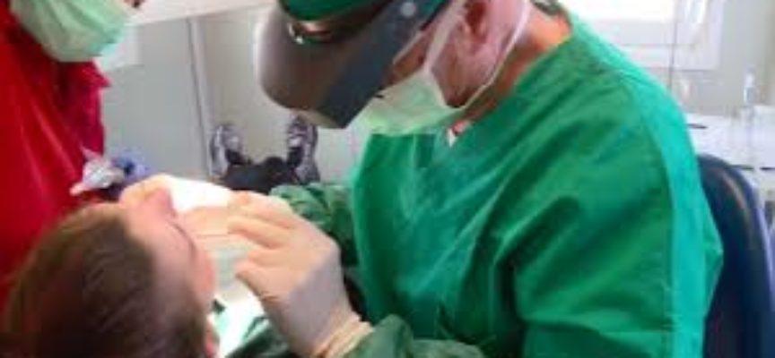 Il dentista è per tutti: apre a Lucca l'ambulatorio della Croce Rossa