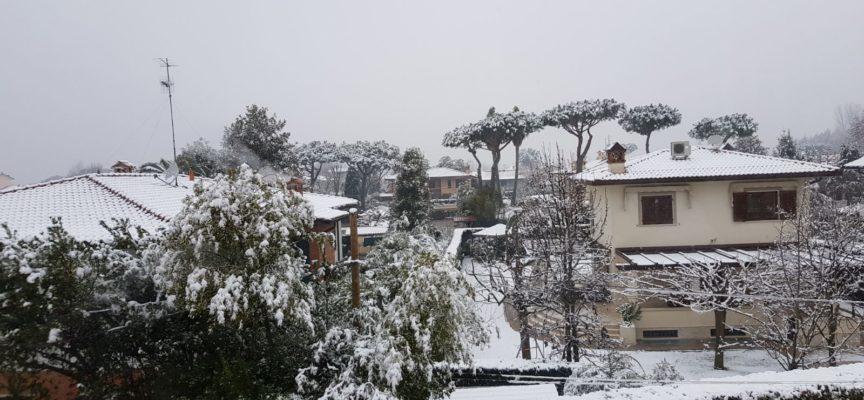 Ancora neve e ghiaccio, arriva la pioggia e il vento: prorogata l'allerta fino alla mezzanotte di venerdi