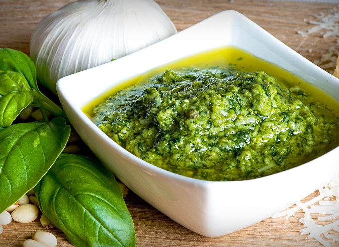 La ricetta del pesto di basilico