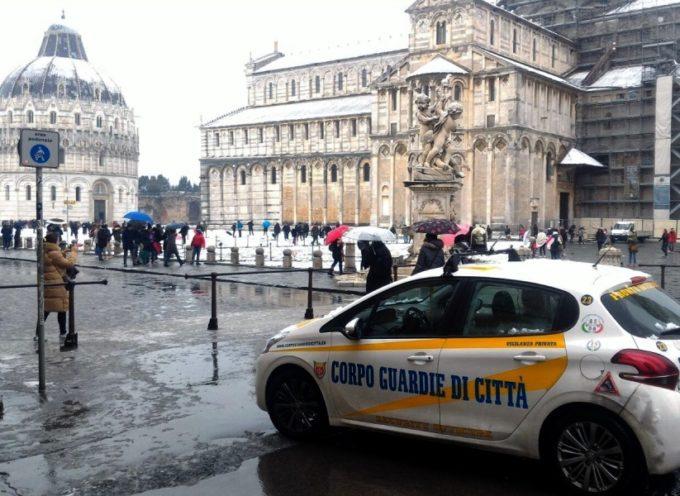neve e ghiaccio non fermano gli uomini e le donne del Corpo Guardie di Città
