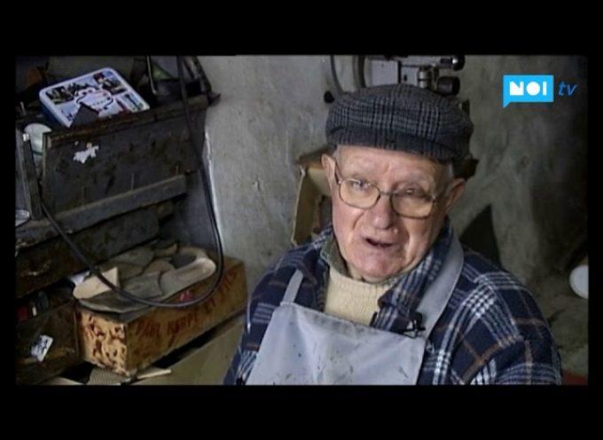 Mario Pieroni, uno degli ultimi calzolai della Valle del Serchio