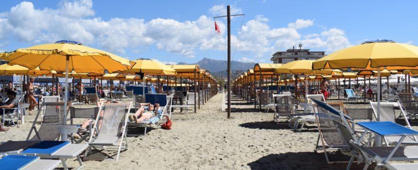 """parte il  progetto """"Ombrelloni Sociali"""" a Forte dei Marmi per la stagione estiva 2019"""