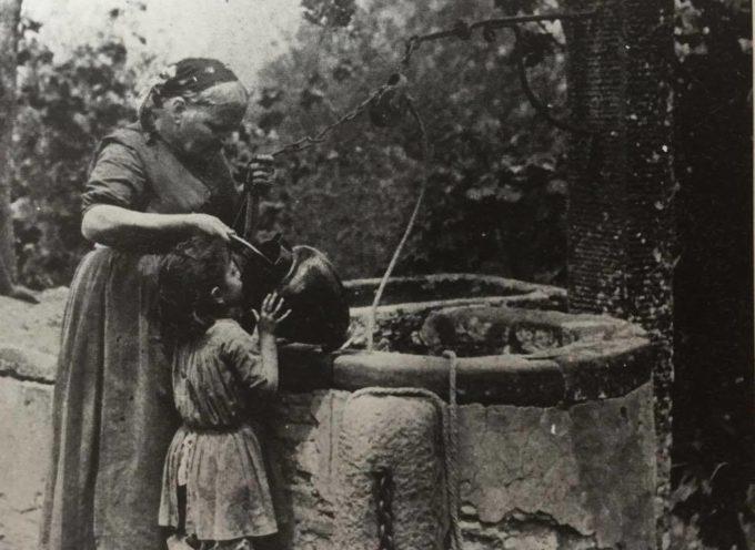 """""""Chi prende l'acqua da un pozzo, non dovrebbe dimenticare chi l'ha scavato"""", recita un proverbio cinese."""