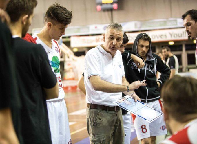 Giuseppe Piazza, coach del Cmb Lucca e della Nazionale femminile Under 17, terrà una lezione alle ragazze del Basket femminile