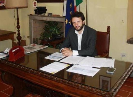 incontro con il sindaco dopo quattro anni di  lavoro, nel  Comune di Borgo a Mozzano