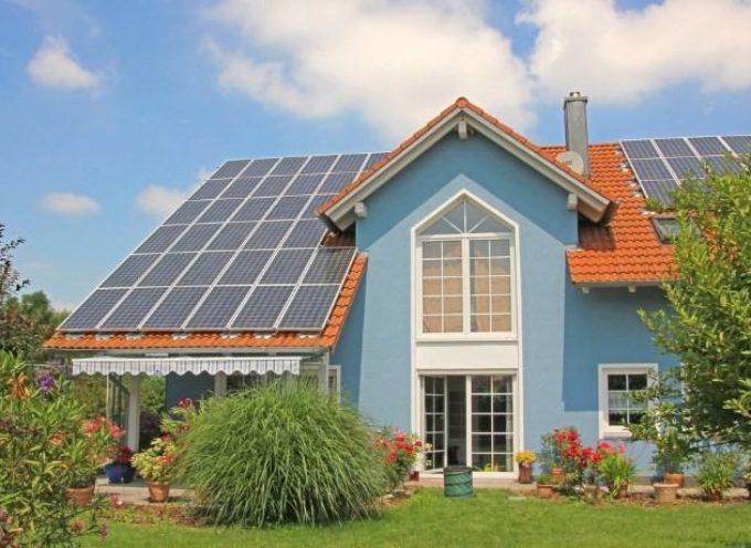 Fotovoltaico e lavori in casa: tutti gli interventi che si potranno fare senza permessi edilizi