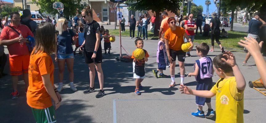 ieri si è svolta la festa minibasket della Provincia di Lucca e Massa Carrara.