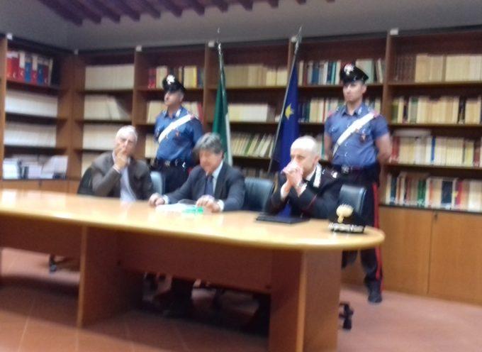 i Carabinieri di Lucca hanno dato esecuzione ad un'ordinanza di custodia cautelare in carcere emessa nei confronti di due cittadini albanesi
